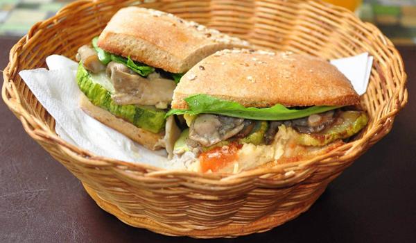 21 - Delícia de sanduíche vegetariano