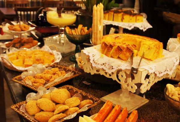Cafe da manha colonial mineiro home - Café Colonial Mineiro Dona Lucinha