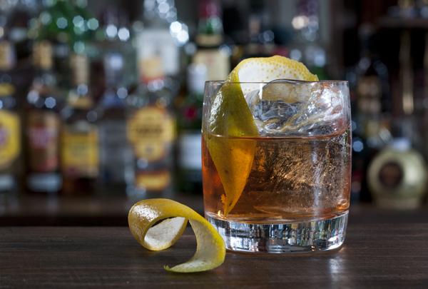 Drink Rusty Nail2 cred Rodrigo Erib - Bota Gelo no Whisky!