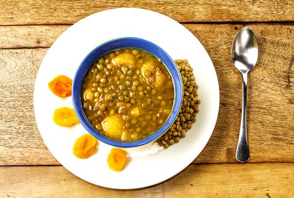 Sopa de Lentilha e Damasco Lenz Gourmet Home - Sopa de Lentilha com Damasco