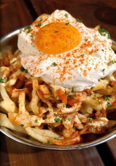 Holy Burger  Kimchi fries - Holy Burger