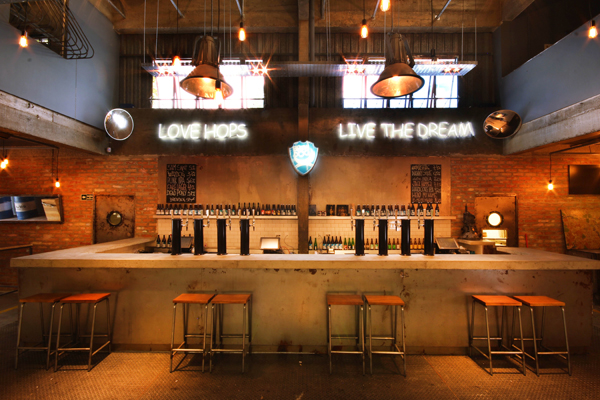 Ambiente Brewdog2 rogerio voltan 2014 home - BrewDog Bar