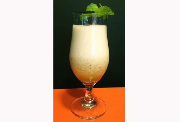 Drink de Abacaxi Cuecas na Cozinha home - Drink com abacaxi