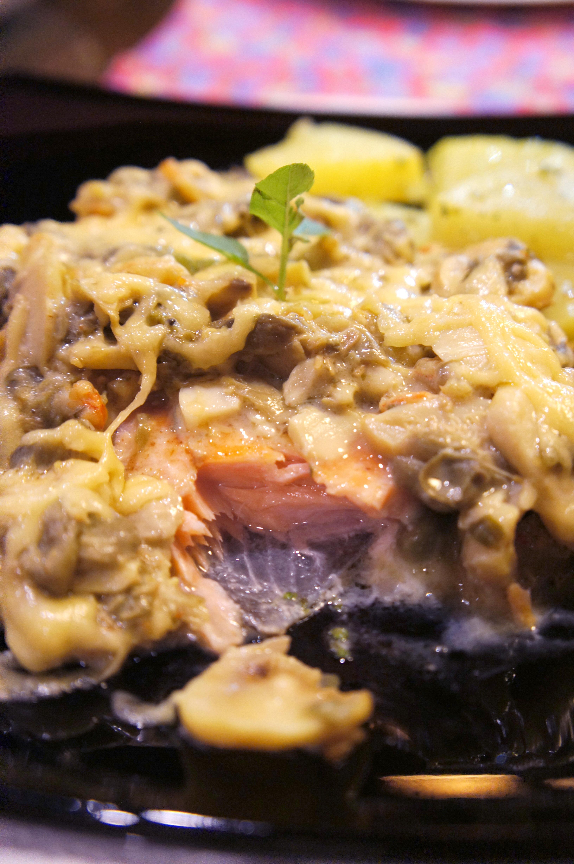 Donna Pinha Salmao de truta ao molho Santa Truta foto Cuecas na Cozinha - Restaurante Donna Pinha