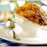 Sopa de cebola gratinada  Le Vin Bristro 150x150 - Sopa de Milho Verde cremosa e deliciosa