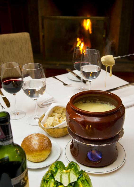 Casa Grande Hotel  Bistro Saint Malo Fondue queijo - Casa Grande Hotel