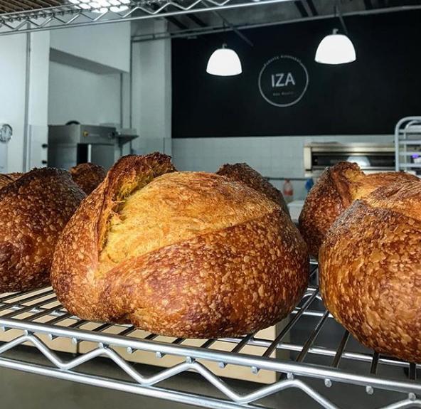 Pão com Pão  Iza Tavares - Pão com Pão