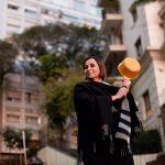 Carla Pernambuco   panela na mão Romulo Fialdini 150x150 - O Pequeno livro de Cozinha e A importância de sentir felicidade com as conquistas dos outros