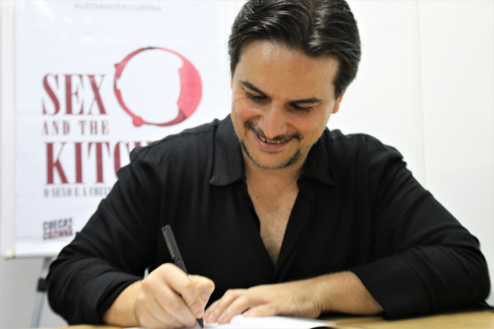 Sex and the Kitchen o Sexo e a Cozinha  Alessander Guerra autografos - Romances adultos hot