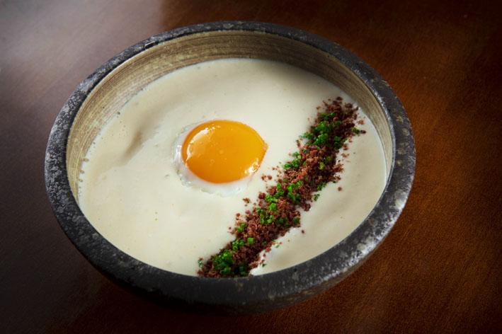 Rios Restaurante  Ovo com espuma de bacalhau - Rios Restaurante