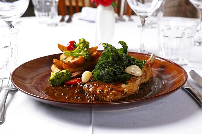 Venuto  Prime ribs de leitão fotoArturBragança - Venuto bar e restaurante