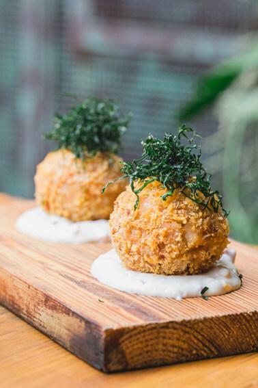 Teva Restaurante e Bar de Vegetais  Bolinho de Baião de Dois TEVA - Teva Restaurante e Bar de Vegetais
