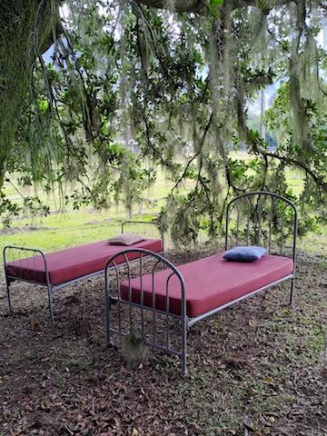 Mona  camas ao ar livre - Monã