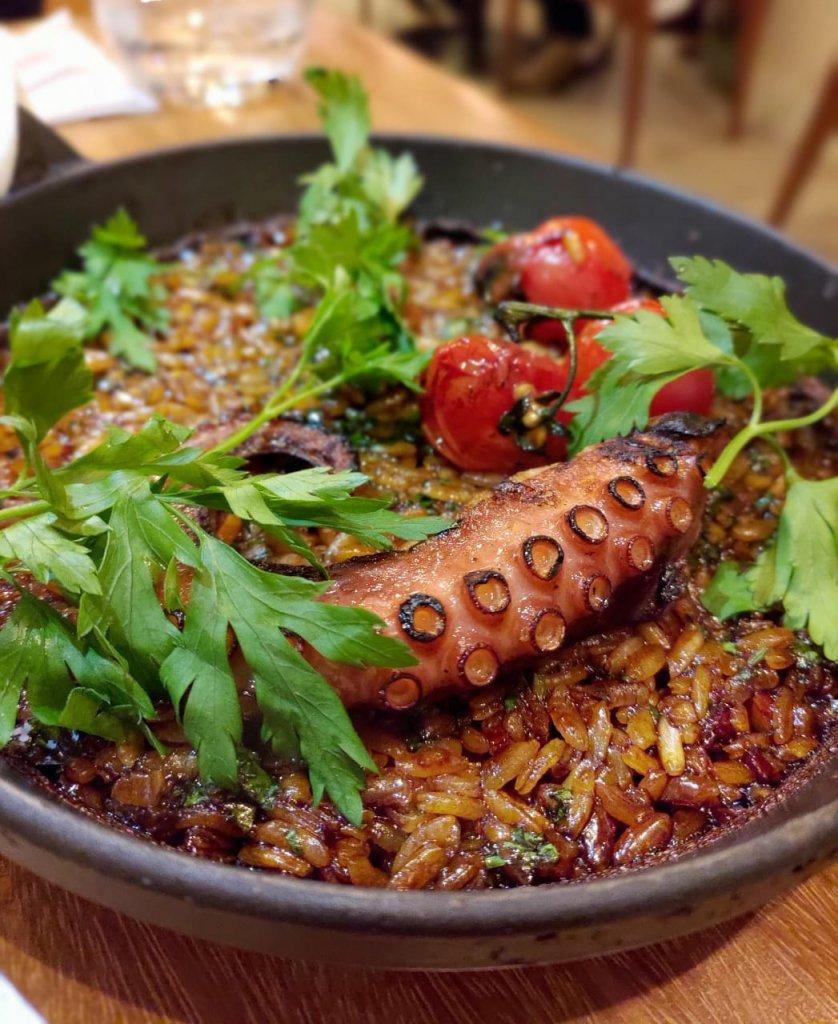 Naia Restaurante Arroz Pegado de Polvo 838x1024 - Naia Restaurante